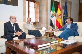 Fernández Vara recibe al Fundador y director del Instituto Elijah para el Diálogo Interreligioso