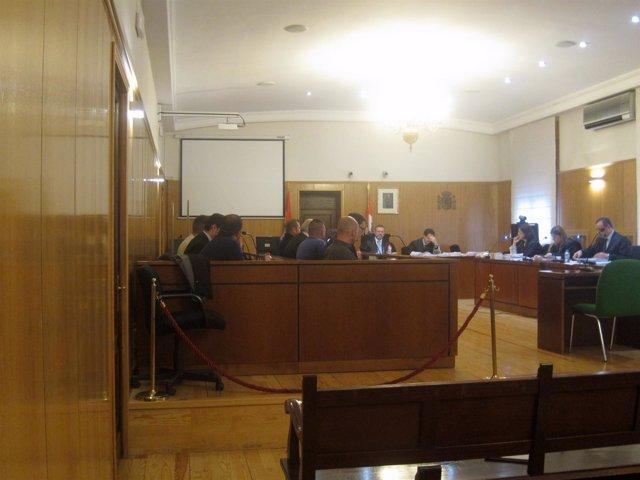 Los acusados, durante el juicio iniciado hoy en la Audiencia.