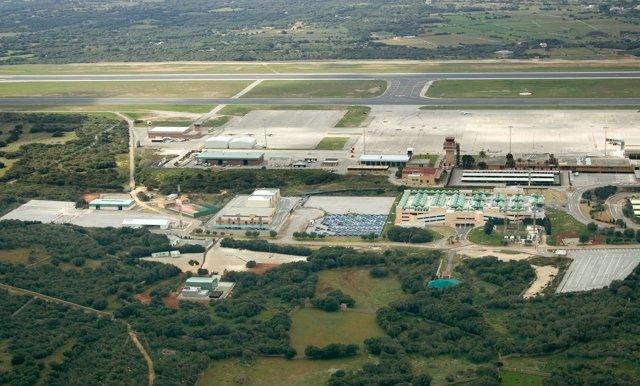 Vista áerea del aeropuerto de Menorca