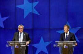 Tusk y Juncker confían en que su reunión con Trump permita reforzar la cooperación entre la UE y EEUU