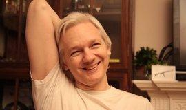 """Assange lamenta que lleva siete años detenido sin cargos: """"Ni perdono ni olvido"""""""