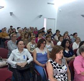 Sanitarios del Área Sur participan en una mesa redonda sobre fibromialgia en Aguilar de la Frontera (Córdoba)