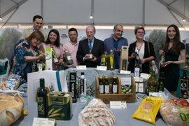 Arranca en la Diputación la III Feria del Pan, Aceite y Aceituna de la Provincia