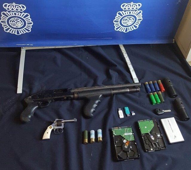 Material intervenido en un operativo policial