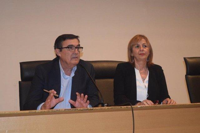 Vicente Zarza preside una jornada de orientadores educativos.