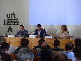 Técnicos y especialistas en minería se reúnen en la UNIA para analizar el nuevo reglamento sobre explosivos