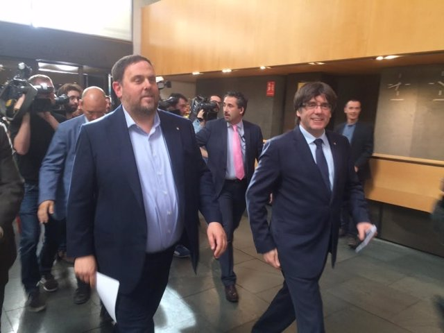El vicepresidente, Oriol Junqueras, y el presidente, Carles Puigdemont