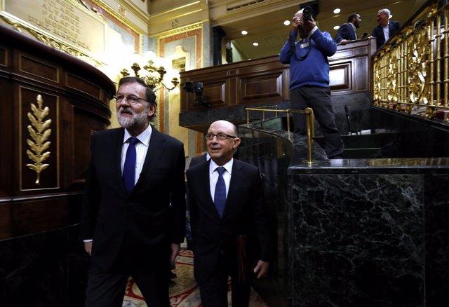 Mariano Rajoy y Cristóbal Montoro en el debate sobre los Presupuestos