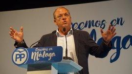 "Monago (PP) dice que en Andalucía pasa al revés que a Alonso en Fórmula Uno, ""tenéis un Ferrari, pero no tenéis piloto"""