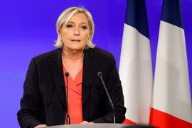 Le Pen confirma que el Frente Nacional fijará su postura sobre el euro tras las parlamentarias
