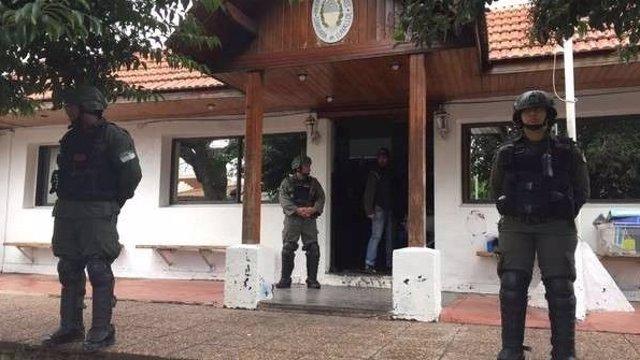 """Policías argentinos dentenidos por """"explotación sexual"""""""