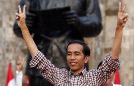 HRW pide al presidente de Indonesia que interceda para que detenga la condena a dos jóvenes homosexuales