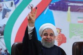 La televisión estatal iraní declara la victoria directa de Hasán Rohani en las elecciones presidenciales