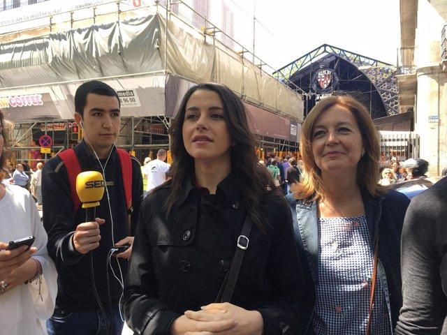 La líder de Cs en Catalunya, Inés Arrimadas, junto a Carina Mejías.