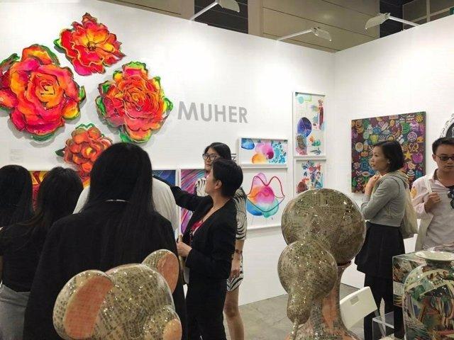 Los MUHER presentan con éxito inaugural su propuesta artística en Hong Kong