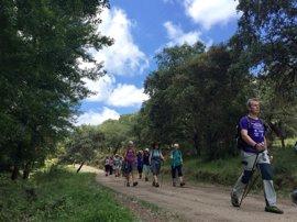 Huelva acoge a un grupo de 18 aficionados al Nordic Walking procedentes de Reino Unido