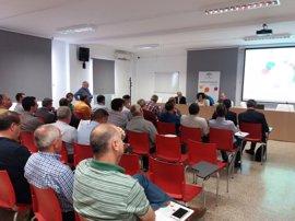 Cooperativas oleícolas de Mágina y La Loma (Jaén) participan en jornada técnica de Andalucía Emprende