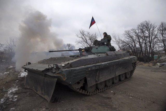 Carro de combate de las milicias separatistas de Donetsk