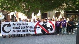 Un centenar de personas en la concentración de Palma en apoyo a la moción contra Rajoy