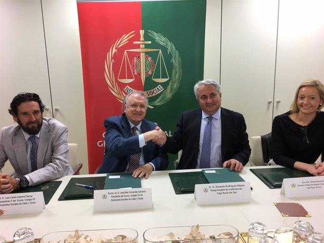 Firma de acuerdo entre Caja Rural y Colegio de Graduados Sociales de Cádiz