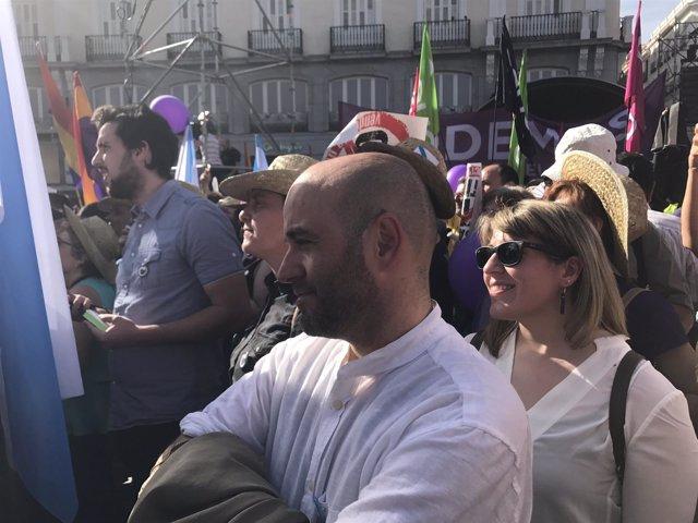 Villares y Carmen Santos en la manifestación de Podemos en Madrid