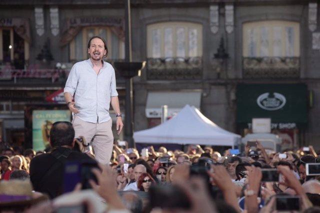 Pablo Iglesias, en la concentración de Podemos por la moción de censura