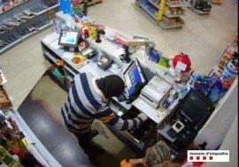 Detenido un hombre por atracar cuatro gasolineras en Girona
