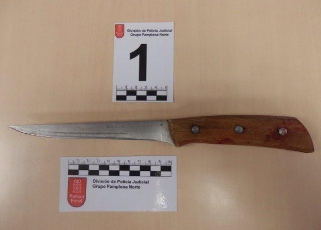 Cuchillo que portaba uno de los detenidos en el momento de la detención