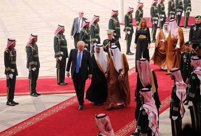 Donald Trump a su llegada a Arabia Saudí