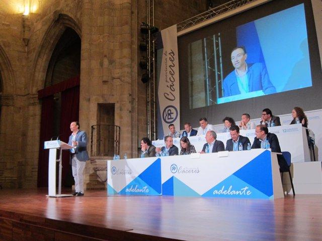 Laureano León, reelegido presidente provincial del PP en Cáceres
