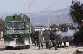 Un centenar de detenidos en una marcha del Movimiento por la Autonomía de la Cabilia en Buira, Argelia