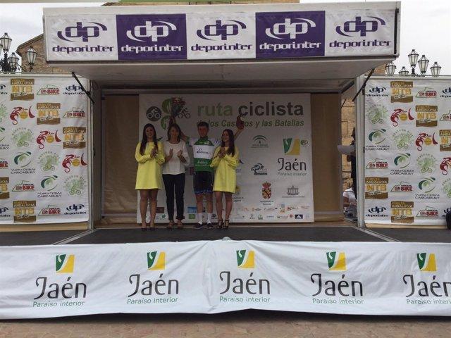 Nota De La Junta Y Fotos Ana Cobo Entrega Premios Ii Ruta Ciclista De Los Castil