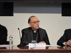 El arzobispo Omella recibe con gozo el anuncio de su nombramiento como cardenal