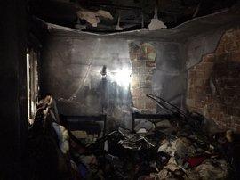 Herida una mujer de 72 años y cuatro jóvenes afectados en un incendio en Paterna