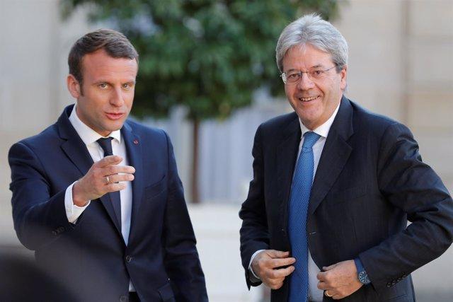 Emmanuel Macron y Paolo Gentiloni en París