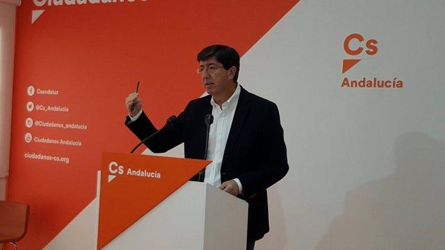 El presidente y portavoz del grupo de Ciudadanos en el Parlamento, Juan Marín