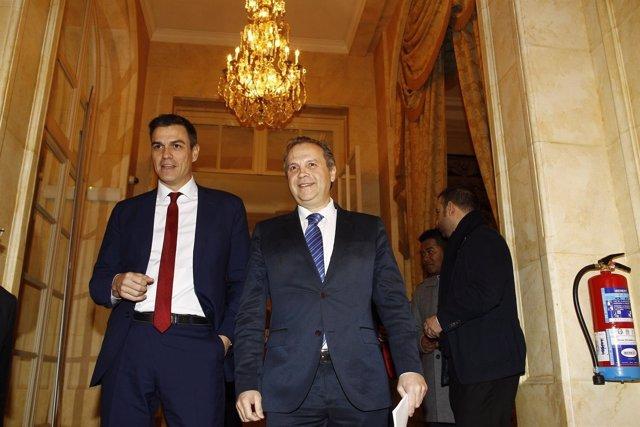 Pedro Sánchez y  Antonio Miguel Carmona