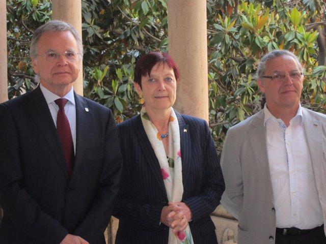 Joan Elias (UB), Margarita Arboix (UAB) y Enric Fossas (UPC)