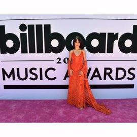 VÍDEO: Camila Cabello canta su single Crying in the Club en los Billboard Music Awards