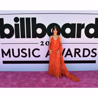 VÍDEO: Camila Cabello canta su single Crying in the Club en los Billboard Music Awards