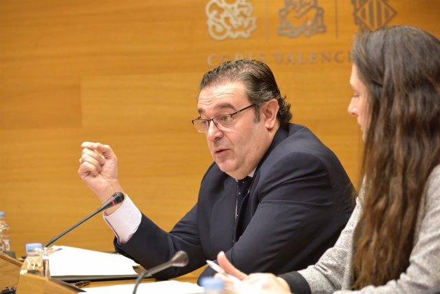 Gerardo Camps en la comisión sobre instituciones feriales