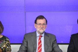 """Rajoy dice que para el PP """"todo sigue igual"""" tras la victoria de Sánchez y que no adelantará elecciones"""