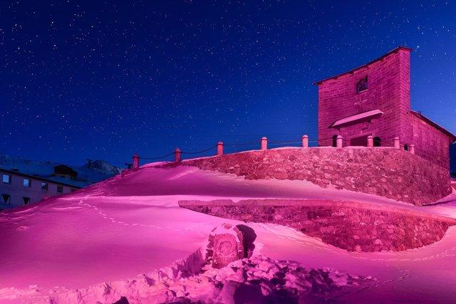 El Monte Stelvio se tiñe de rosa para homenajear al Giro