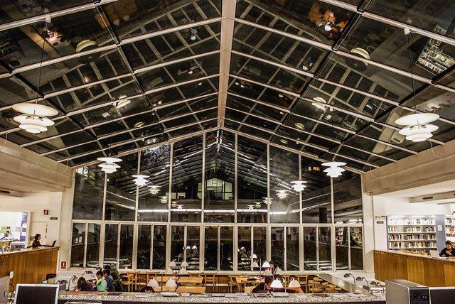La Universitat de Lleida abre bibliotecas en horario nocturno