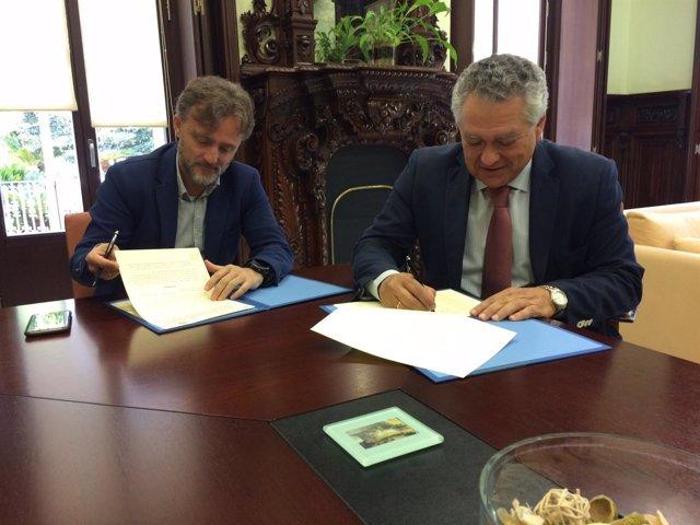 Firma del convenio para un tránsito rociero ordenado por Doñana