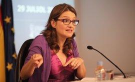 """Oltra felicita a Estañ (Podemos), una persona """"brillante"""" que hace """"su parte"""" con sus críticas al Consell"""