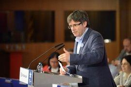 """Puigdemont pide esperar a su conferencia en Madrid para opinar: """"¿Y si escuchasen primero?"""""""