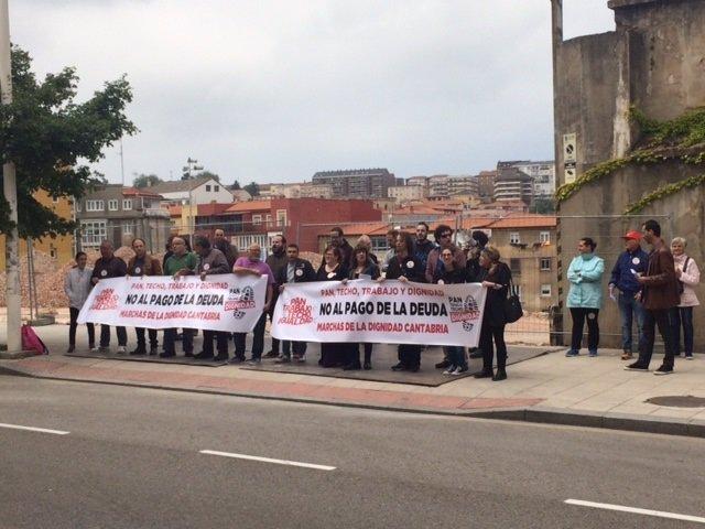 Marchas poamentor la Dignidad de Cantabria se concentran frente al Par