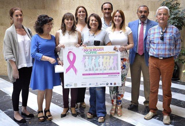 Presentación de la carrera por la mujer y contra el cáncer en Jerez