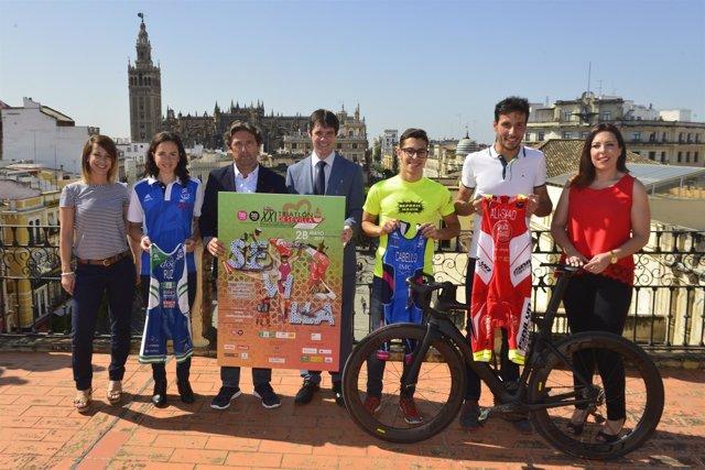 Presentación de la XXI Triatlón de Sevilla.